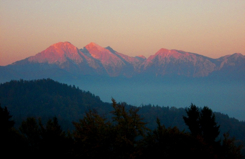 Alpenglow at dusk -- as seen from Križna Gora
