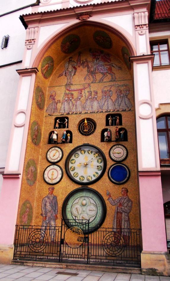 VBT-Olomouc-AstronClk-1a