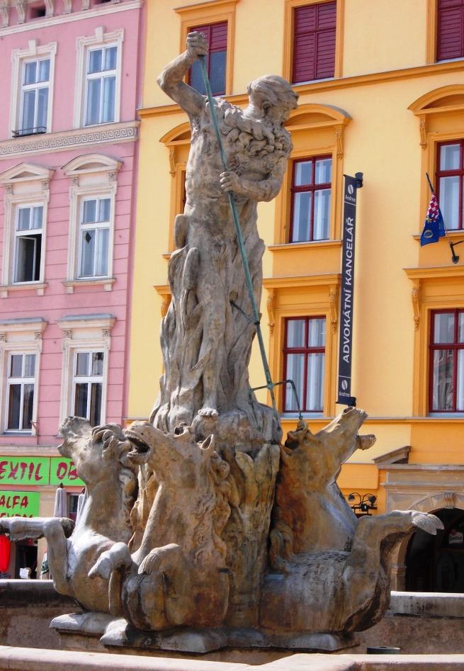 VBT-Olomouc-NeptuneFount-1a