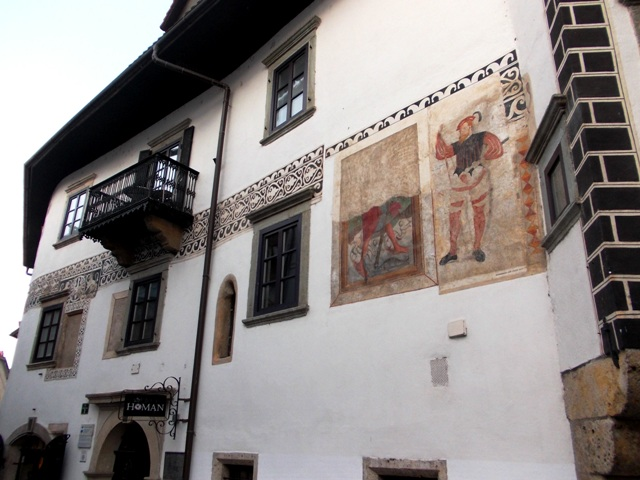Ornate & frescoed Homan House in Škofja Loka - early 16th century - enjoy great confections & coffee on the terrace facing the main square!